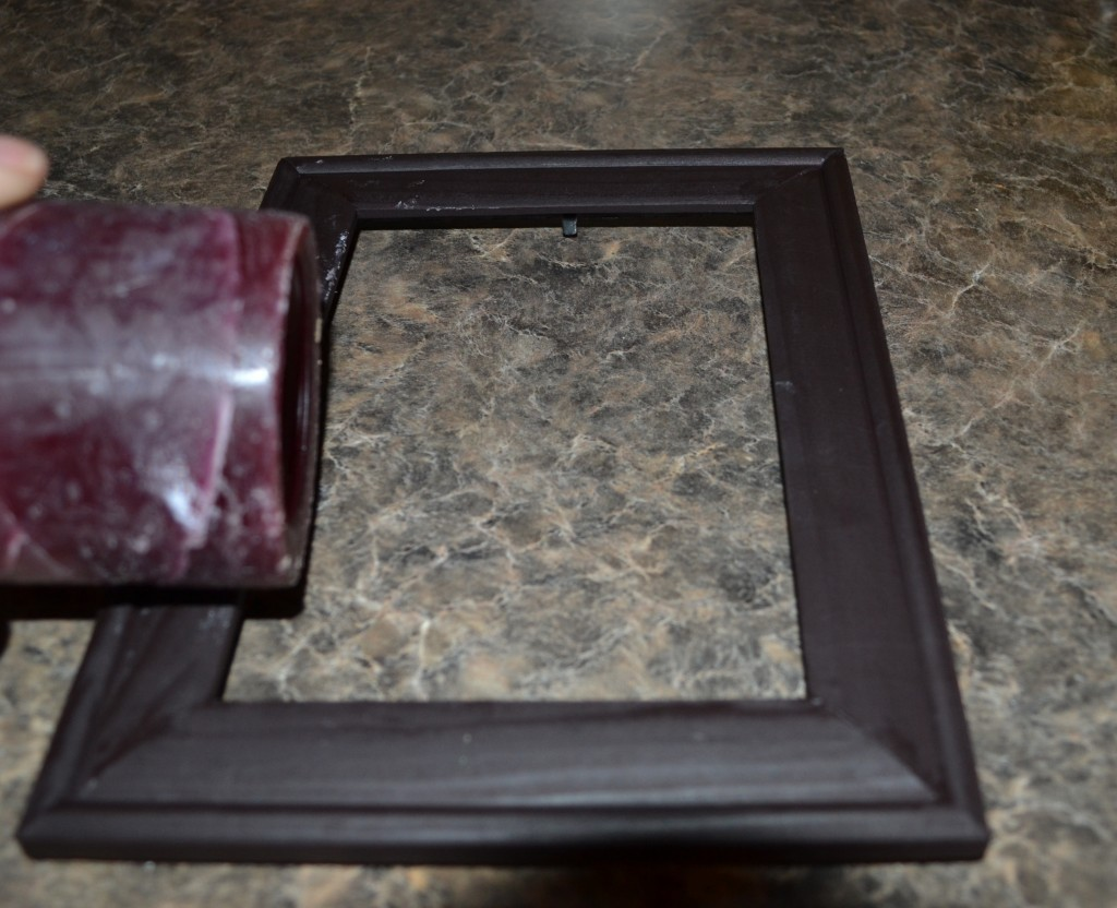 Roll candle across picture frame 1024x832 DIY Distressed Picture Frame