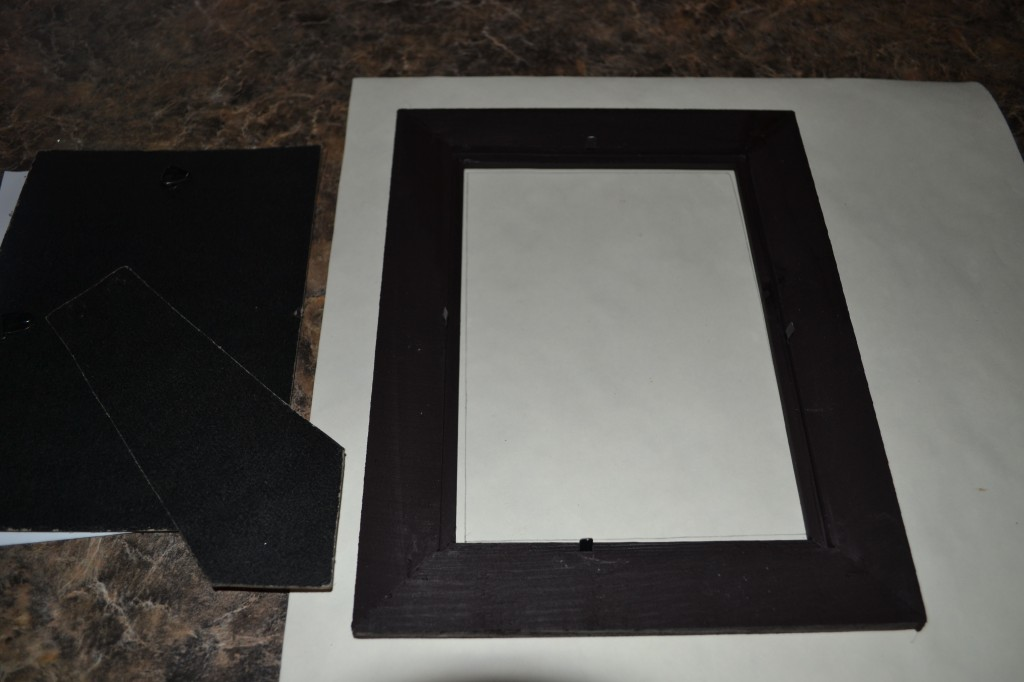 Trace outline of frame 1024x682 Mod Podge Picture Frame