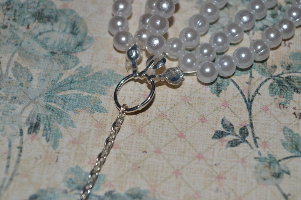 Connect chain to O ring 1024x682 DIY Braided Pearl Necklace