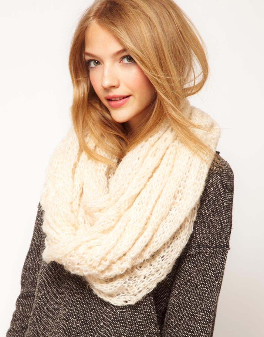 Knitting Pattern For Snood Scarf : Fall/Winter Scarf Trends My Love of Style   My Love of Style