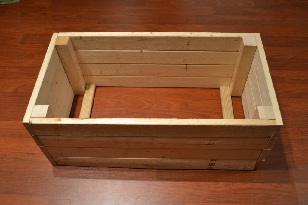 DSC 4609 1024x682 DIY Wooden Crate