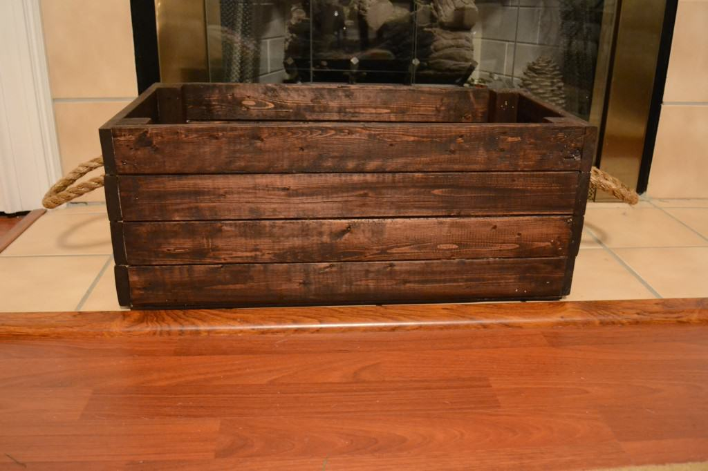 DSC 5424 1024x682 DIY Wooden Crate