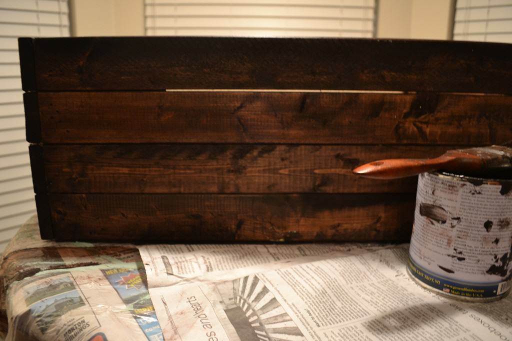 after applying stain 1024x682 DIY Wooden Crate