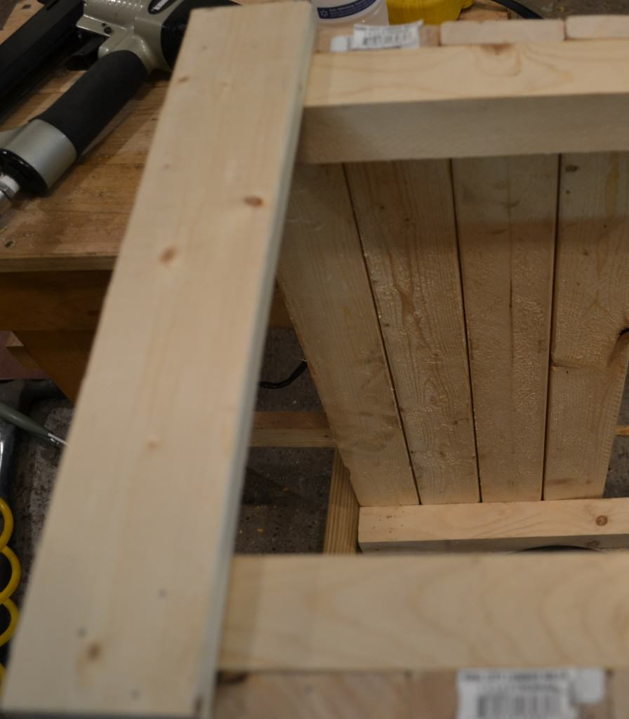 nail side 896x1024 DIY Wooden Crate